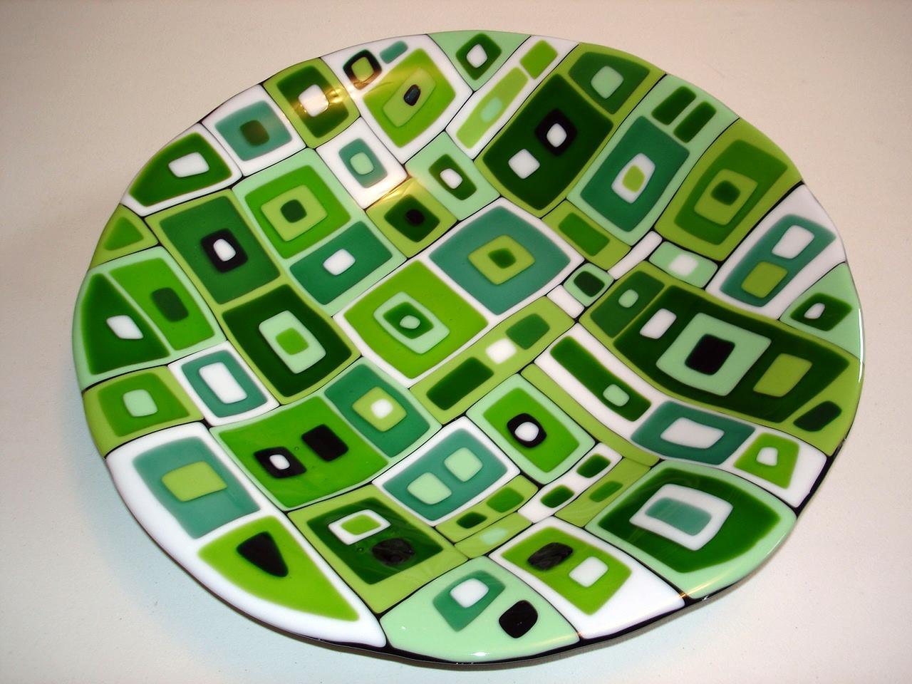 Green Geo Plate